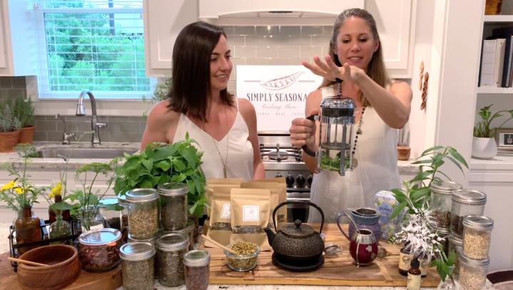 Episode 22: Medicinal Herbs +Teas